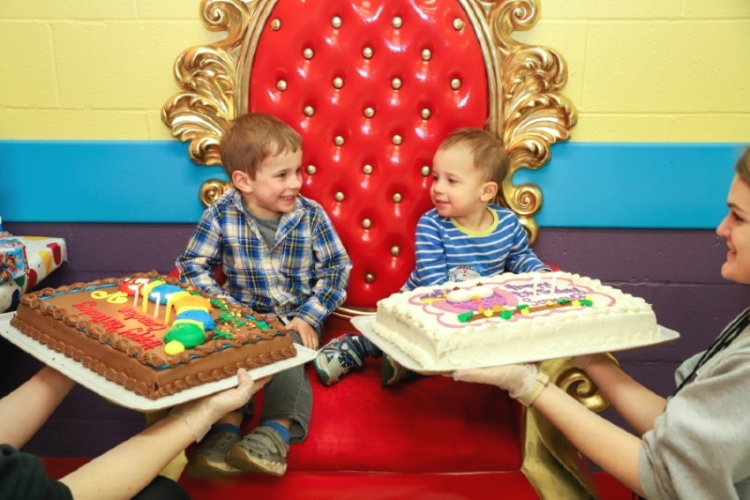 Best Childrens Birthday Party Place Ending In A Private Room With Cake